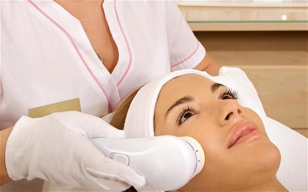 Różne zabiegi dla ciała ludzkiego rekomendowane przez kosmetyczkę